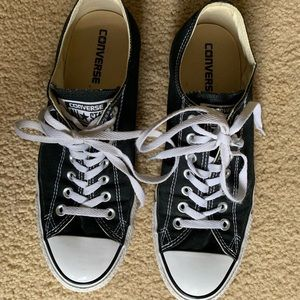 Converse All Star size 10 tennis shoes